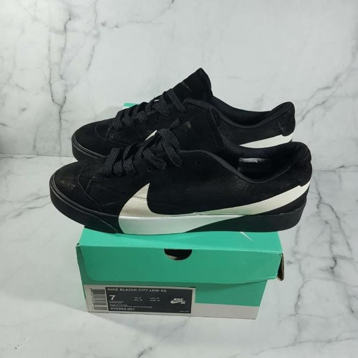 huge discount f011c dfc2d Jual Nike Blazer City Low XS Black White Sneakers Sepatu Jalan Pria -  Jakarta Barat - Speededdy101   Tokopedia
