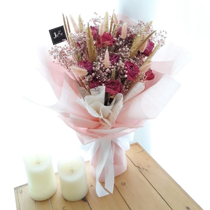 Jual Pink Flowers Bouquet Buket Bunga Kering Buket Bunga Hand Bouquet Kab Sleman Jefe Flower Tokopedia