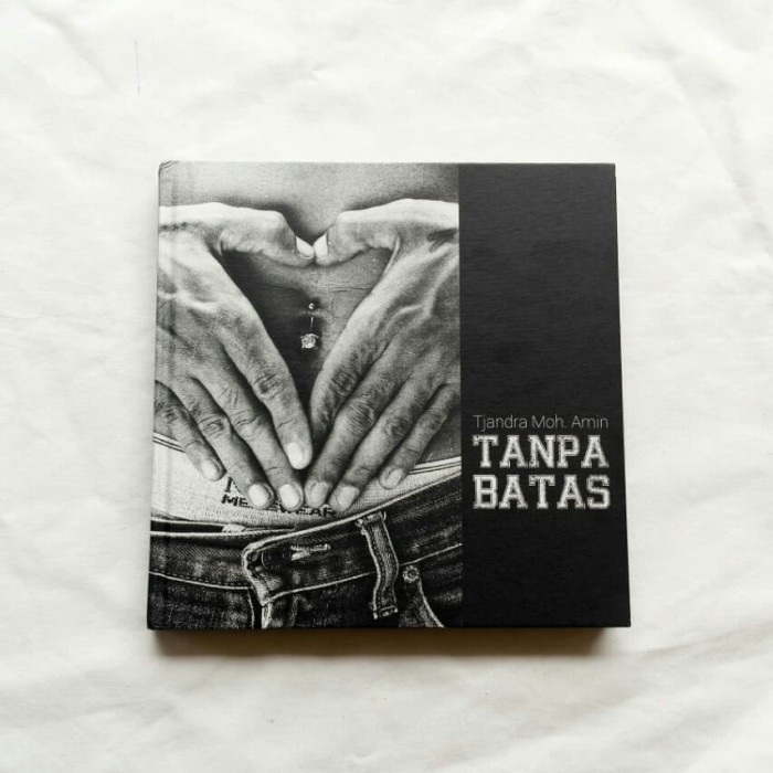 Foto Produk Tjandra Moh. Amin - Tanpa Batas, Buku Foto Photobook dari Unobtainium