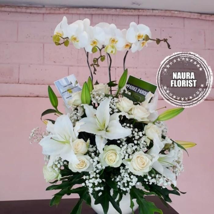 Jual Rangkaian Bunga Anggrek Bulan Bunga Meja Anggrek Mawar Lili Anggrek Jakarta Selatan Nauraflorist Tokopedia