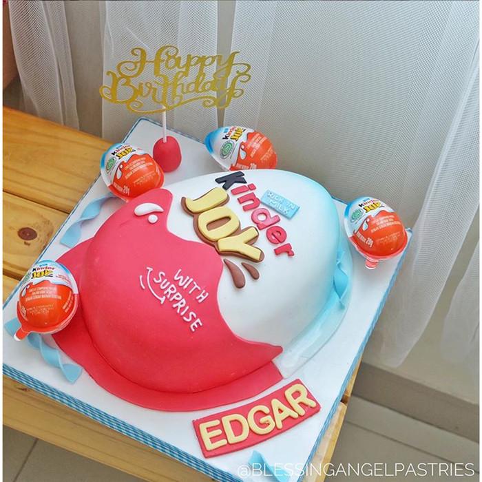 Jual Kue Kinderjoy Besar Fondant Lucu Ulang Tahun Birthday Cake Kota Tangerang Blessing Angel Tokopedia