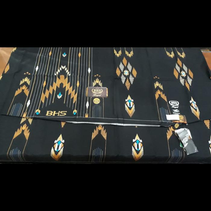 harga Sarung bhs ske gold sutra mesres hitam limited edition Tokopedia.com