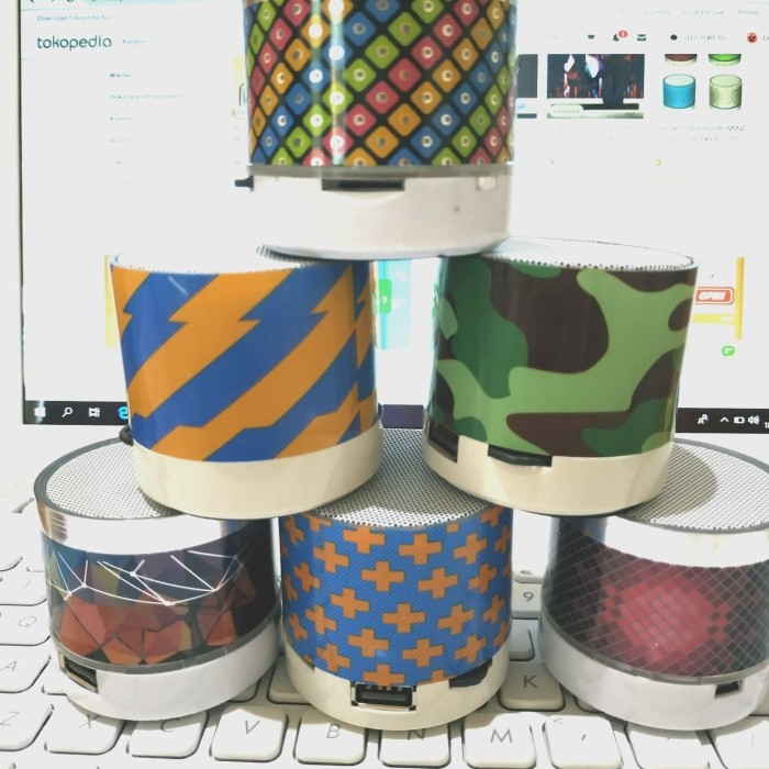 Foto Produk Speaker Mini Bluetooth full LED & Motif | Speaker S10 Karakter Unik dari LEDSTORE.ID