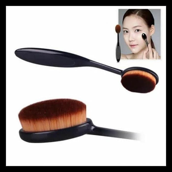 Foto Produk JBS New York Set Oval MakeUp Brush Foundation Powder Dan Spon Beauty dari BasyarKOKO