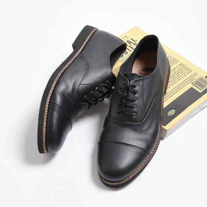 Jual Harrison Hitam Sepatu Pantofel Klasik Formal Pria Cowok Men Vintage Kota Bandung Sbgoodlook Id Tokopedia