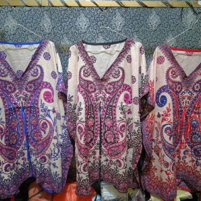 Foto Produk daster kaftan Abaya Lowo Kalong Kelelawar jumbo Thailand pendek - Merah dari cuci gudang pabrik