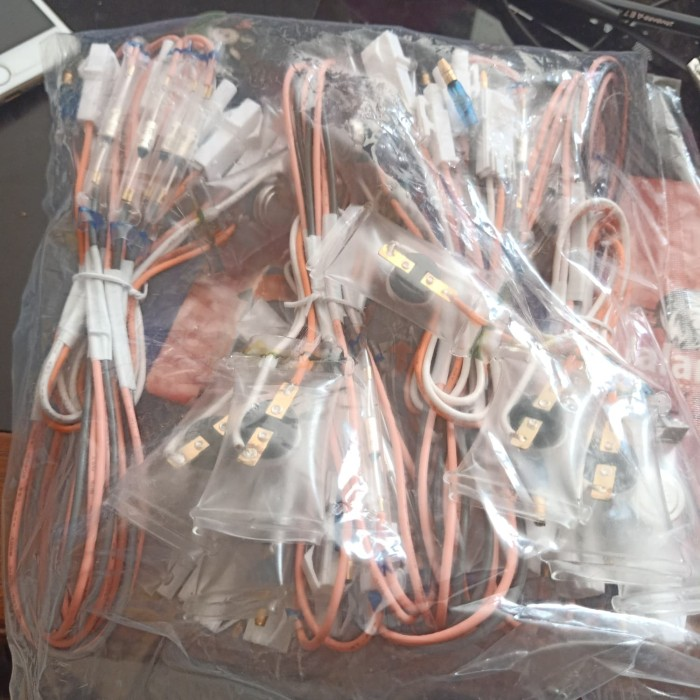 Foto Produk fuse defross bimetal kulkas tosiba panas dingin murah tangerang dari acpartsmandiri indonesia