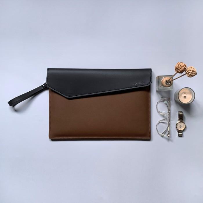 """Foto Produk Tas/Case/Softcase/Leather Laptop Sleeve - Black/Brown(Fit Macbook 13"""") - Ukuran Tipe A dari aroe.id"""