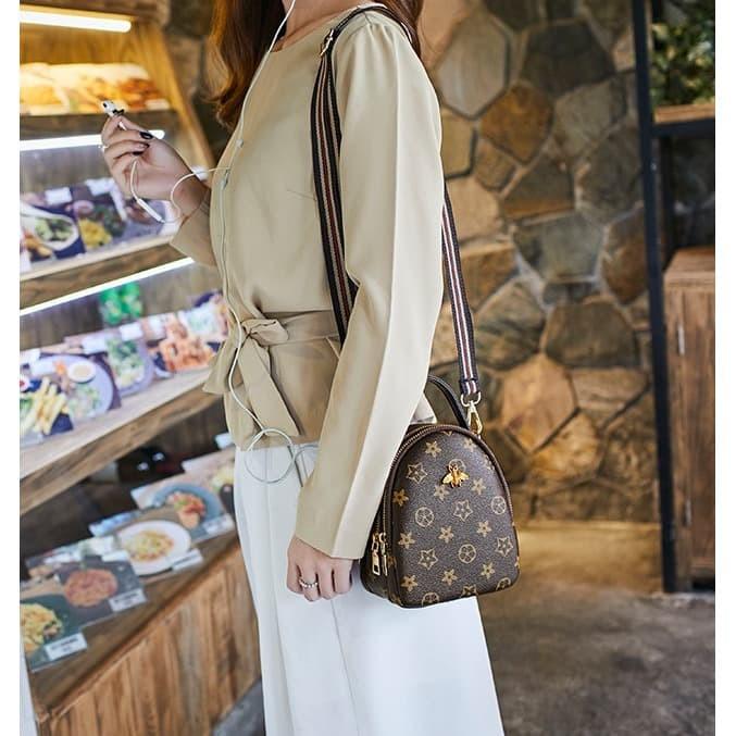 Foto Produk TS98 Korean High Quality Brown Queen Bee Sling Bag Tas Selempang dari EnnWen Online Store