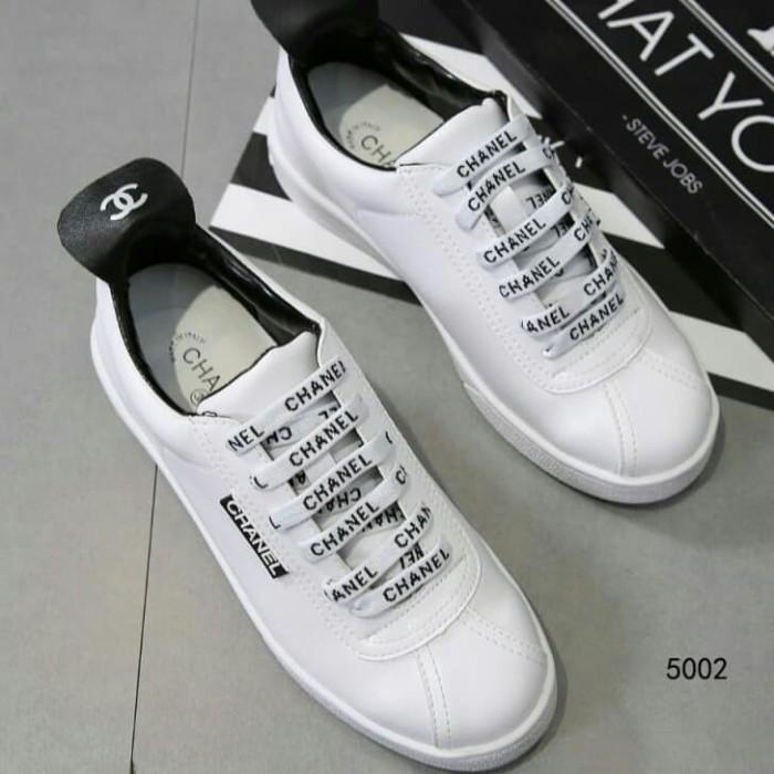 Jual sepatu Chanel wanita Classic white