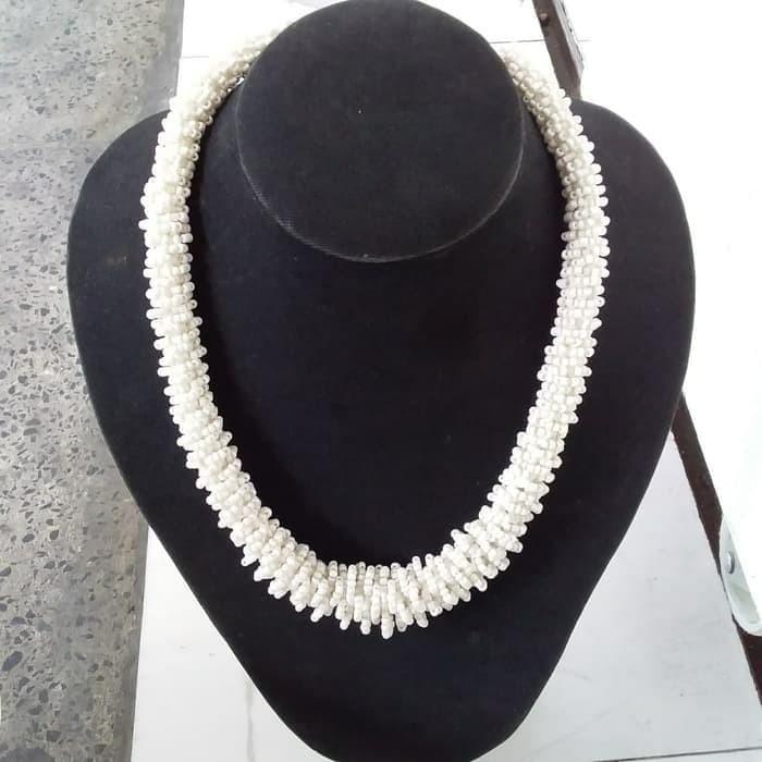 Foto Produk Kalung Monte Lilit Bali Putih Tulang dari RAFANIA SOUVENIR JOGJA