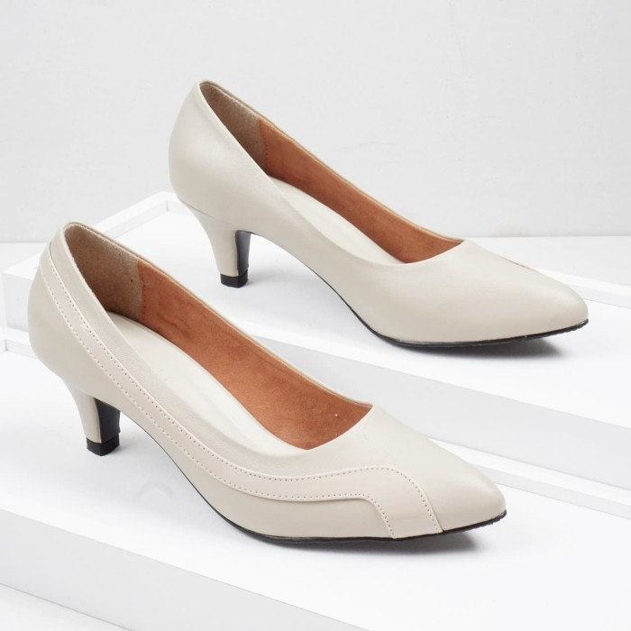 Foto Produk Guzzini MN 908 Cream - Sepatu Heels Kerja 5cm dari Guzzini