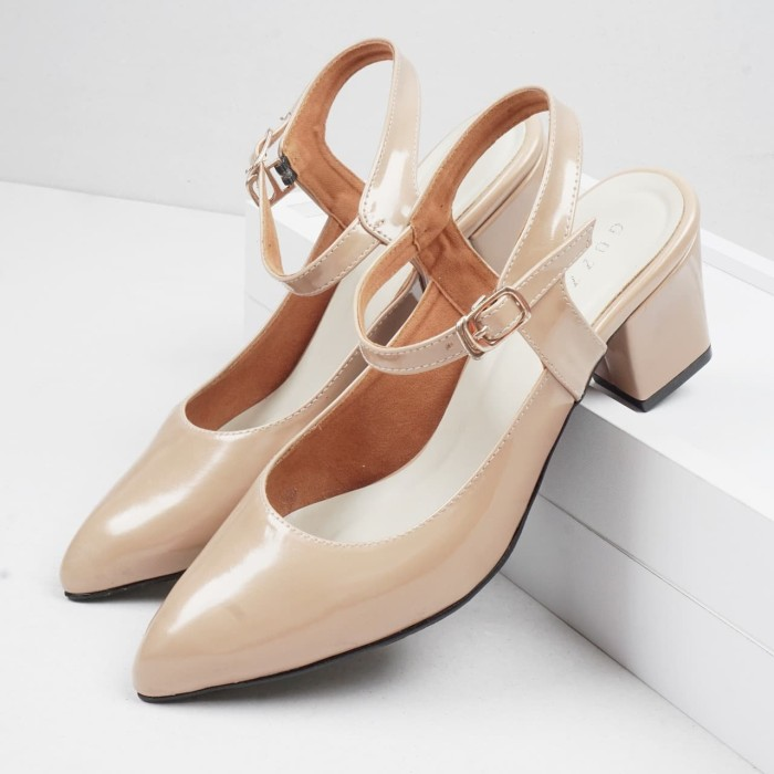 Foto Produk Guzzini MN 552 Tan Gold - Sepatu Heels Glossy Tali Casual 5cm dari Guzzini