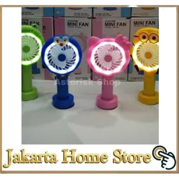 Foto Produk Kipas Angin Tangan Stand Portable Karakter ( Standing Mini Fan) - hk p dari Jakarta Home Store
