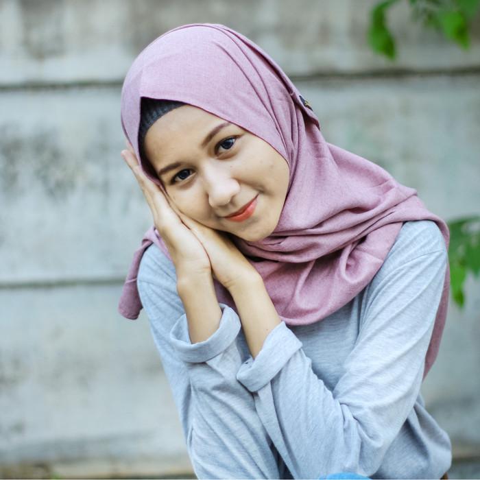 Jual Pashmina Bahan Madinah Cotton Premium Warna Dusty Purple Kota Tangerang Selatan Mayda Scarf Tokopedia