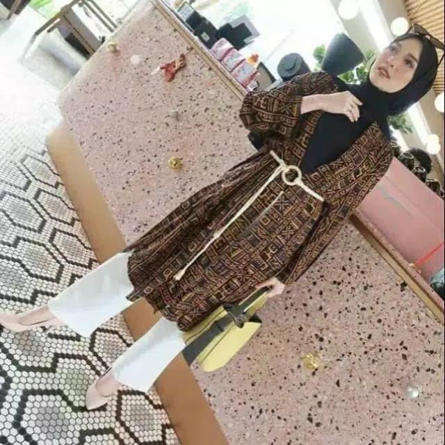 Foto Produk Vidi outer - Hitam dari hijab murah Kalimantan