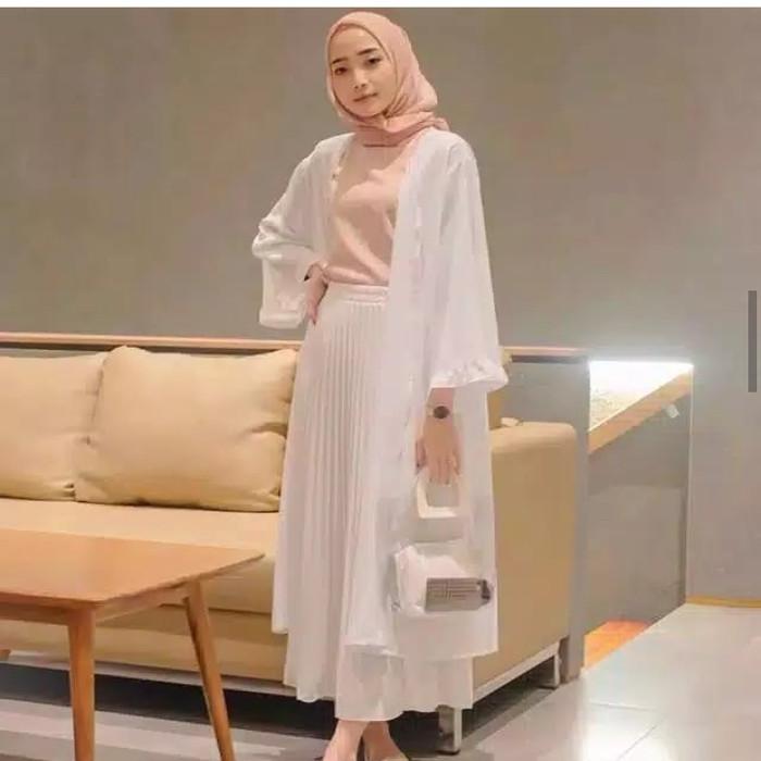 Foto Produk Yura outer - Putih dari hijab murah Kalimantan