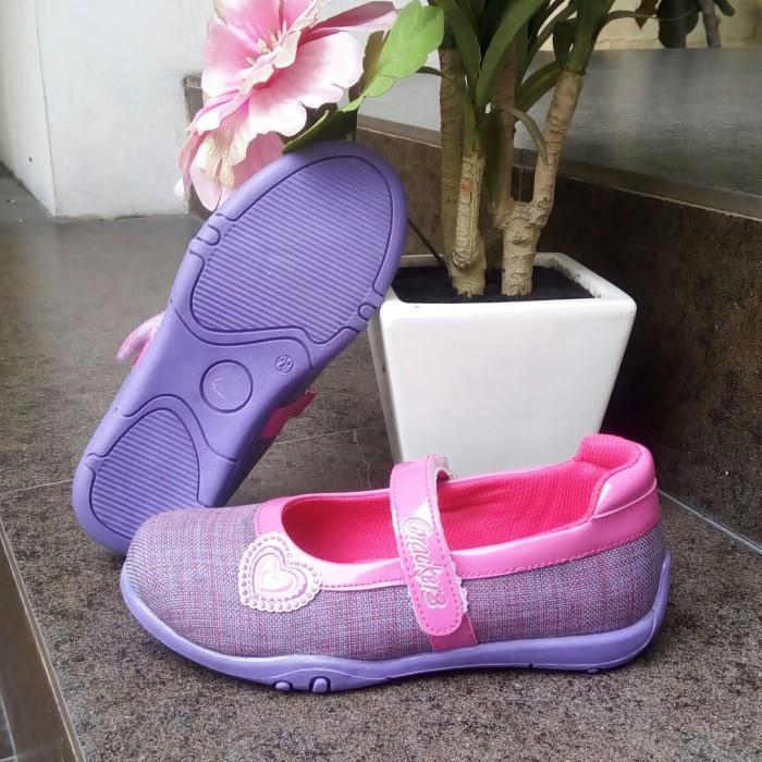 Foto Produk Sepatu Anak perempuan flat slip on Crackers tipe Elvina Ukuran 26 - 30 dari Mulya Sentosa