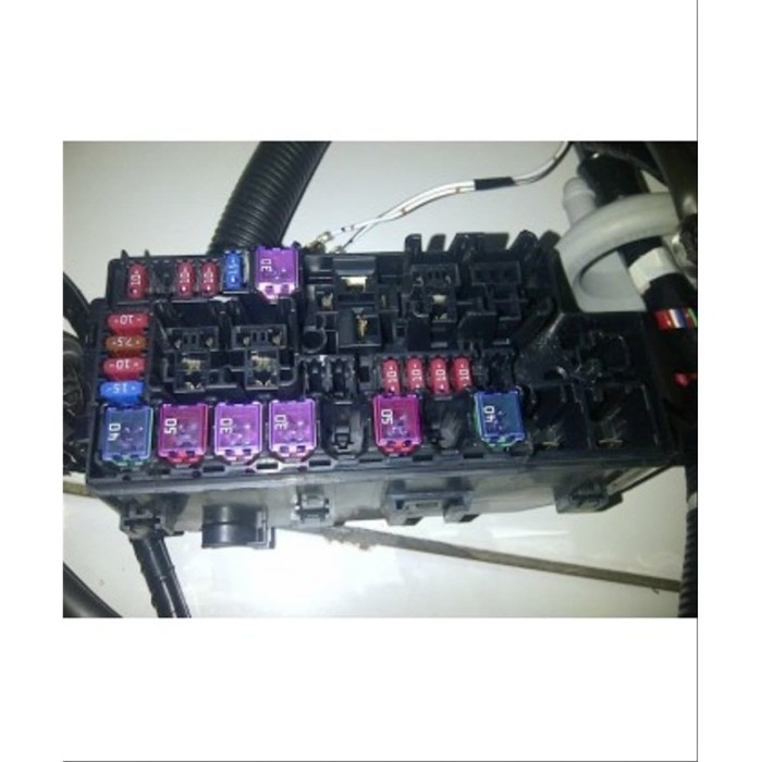images?q=tbn:ANd9GcQh_l3eQ5xwiPy07kGEXjmjgmBKBRB7H2mRxCGhv1tFWg5c_mWT Toyota Avanza Fuse Box
