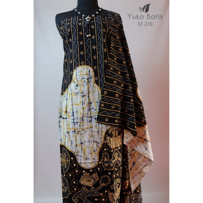 Foto Produk Kain Batik Tulis Motif Wahyu Tumurun Bledak Pulo Hitam Putih dari yuko batik