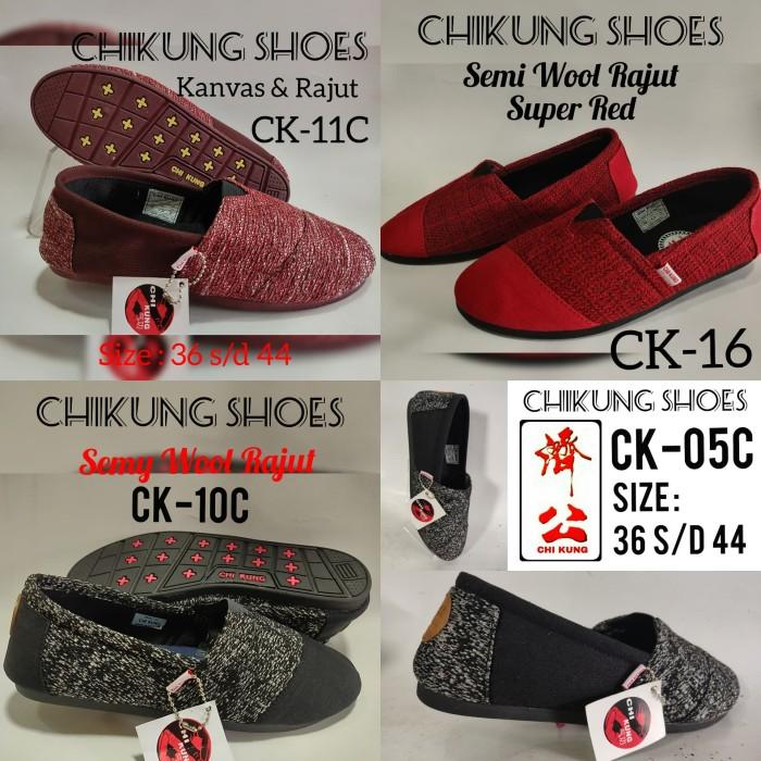 Foto Produk sepatu mirip Wakai. juga mirip Toms SEPATU CHI KUNG 01.02.03.04 dari AGUNG CIPTA KARYA