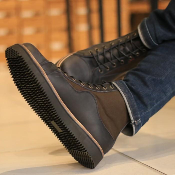Foto Produk Sepatu Boots Kulit Pria - Morisson Black x Army Leather Series - Hitam, 42 dari Men's Project Footwear