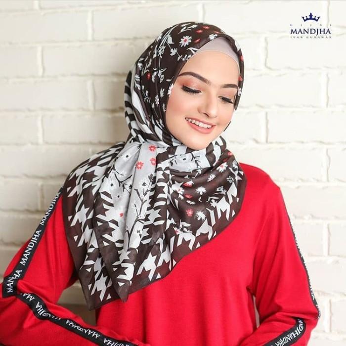 Foto Produk Hijab mandjha Ivan Gunawan Voal premium Black dari Oq_indoStore