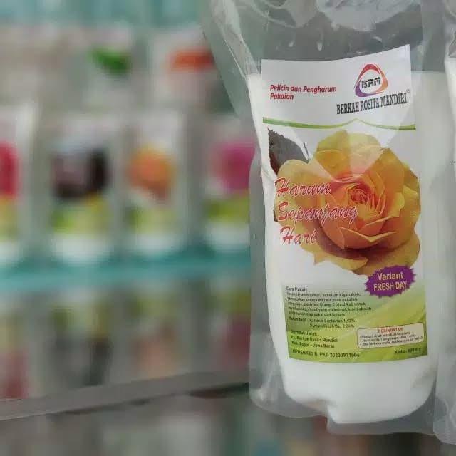 Foto Produk Refill Pelicin Pewangi Mawar Super Laundry by BRM/900ml - Kuning dari vhie_idonline