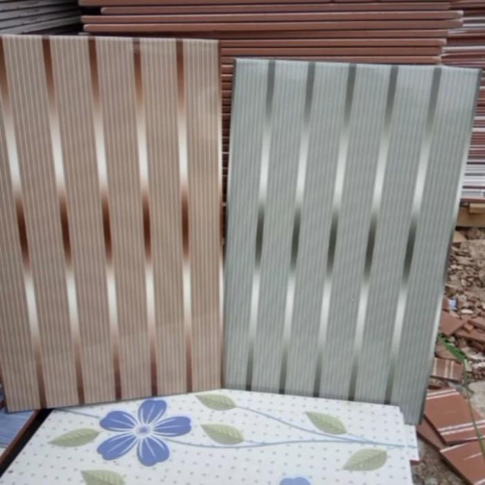Jual Keramik Lantai Dinding 25x40 Motif Garis Glossy Kab Bogor Sinar Mandiriperkasa Tokopedia