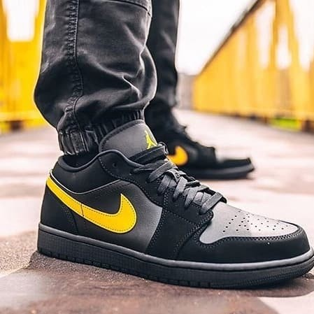 Jual Sepatu Nike Air Jordan 1 Low