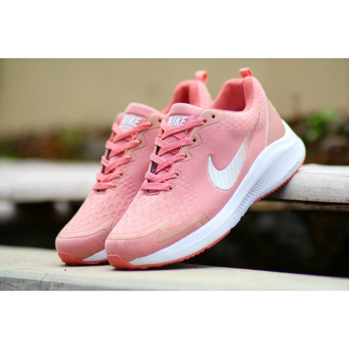 paridad milagro Vatio  Jual Sepatu Olahraga Nike Vomero Marathon Women Import Sneakers Lari Casual  - Merah Muda, 40 - Kota Bandung - OnlineSepatu   Tokopedia