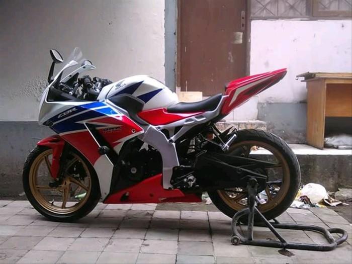Jual Body Belakang Cbr 1000 Untuk Cbr Lokal Dan Cbu 150 Dan 250 Jakarta Pusat Sherastore2020 Tokopedia