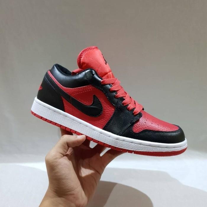 Jual Sepatu Nike Air Jordan 1 Low Bred