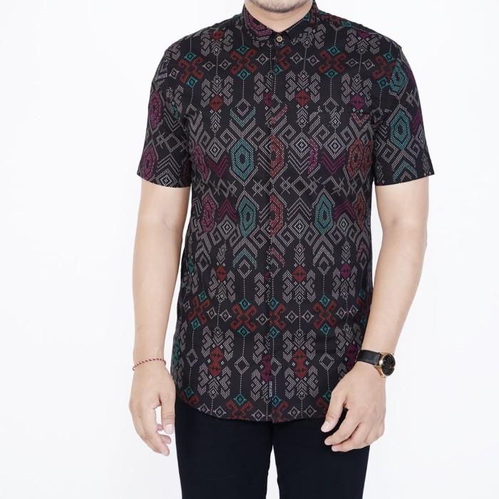 Foto Produk Kemeja batik slim fit lengan pendek cotton Stretch Batik Pria Hitam - Hitam dari inisial.R