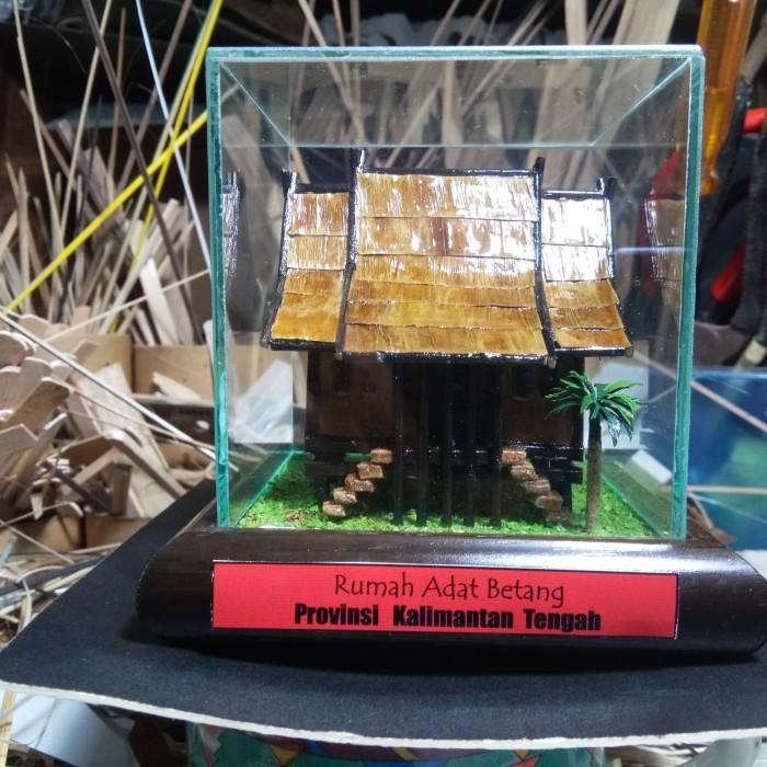 Jual Miniatur Rumah Adat Betang Kalimantan Tengah Kota Cimahi Arqee Art Tokopedia