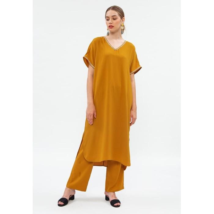 Foto Produk Minimal Tee Dress W/ EMB Mustard - L dari minimal