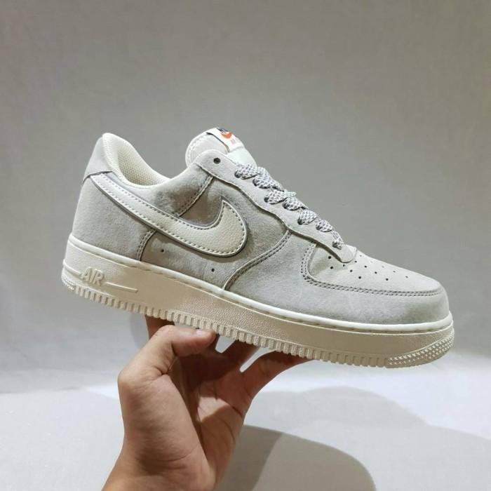 Jual Sepatu Nike Air Force 1 Suede Grey