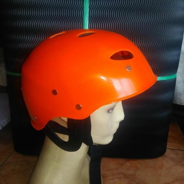 Jual Helm Rafting Arung Jeram Olahraga Air Arus Deras Kab Bandung Joe Adventure Tokopedia