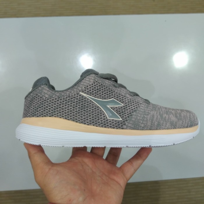 Size 30 31 Sepatu Diadora Anak Diadora Robbi Jr Shopee Indonesia