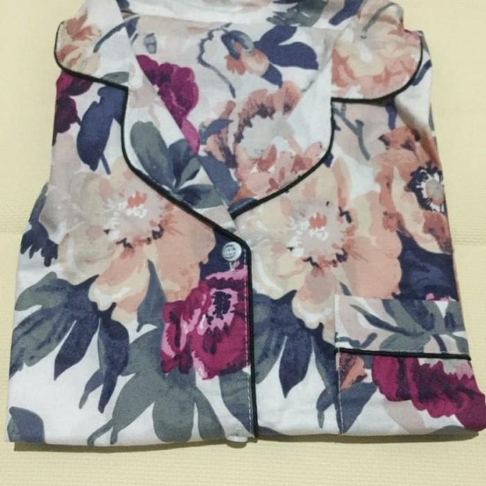 Foto Produk Piyama Dewasa Bunga Besar Putih - Daster dari Jasmine Clothing Line
