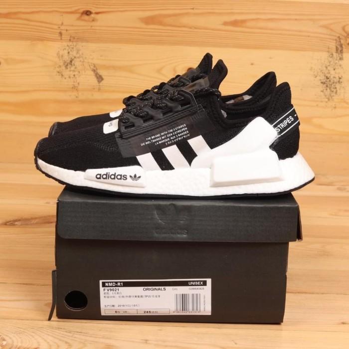 Jual Adidas Nmd R1 V2 Core Black White Fv9021 Ua Perfect Kicks Bnib Kota Bandung Sneaker Official Member Tokopedia