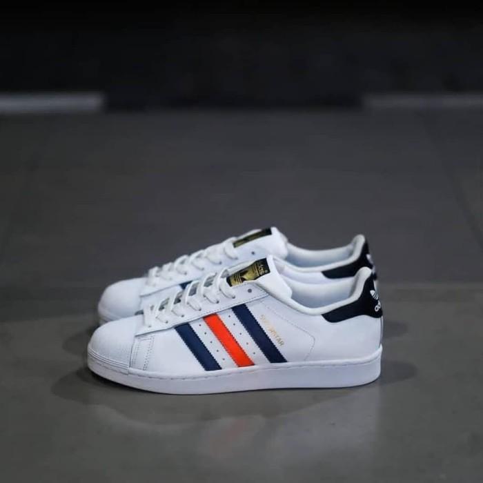 taquigrafía camión conectar  Jual Adidas Superstar White Multicolor, 39 1/3 - Jakarta Barat - Koeb  Sneakers | Tokopedia