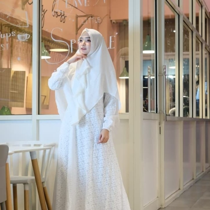 Foto Produk Gamis syar'i brukat putih full furing katun+khimar all size fit m.L.xL dari Winnie Collection