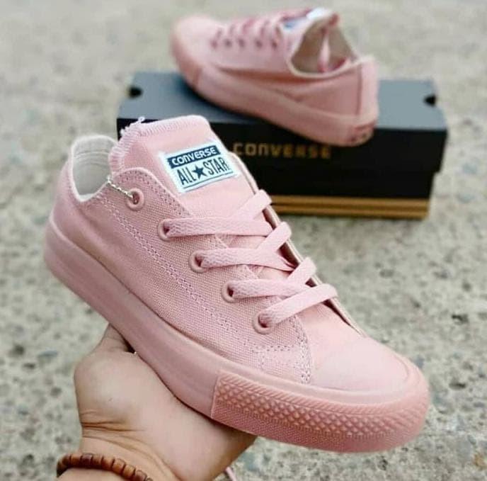 Jual Sepatu Sneakers Wanita Converse