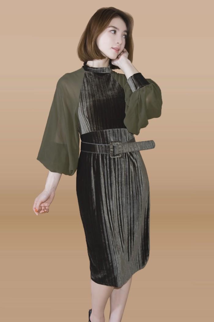 Foto Produk Kakuu Basic - Puff Sleeve Velvet Dress dari Kakuu Basic