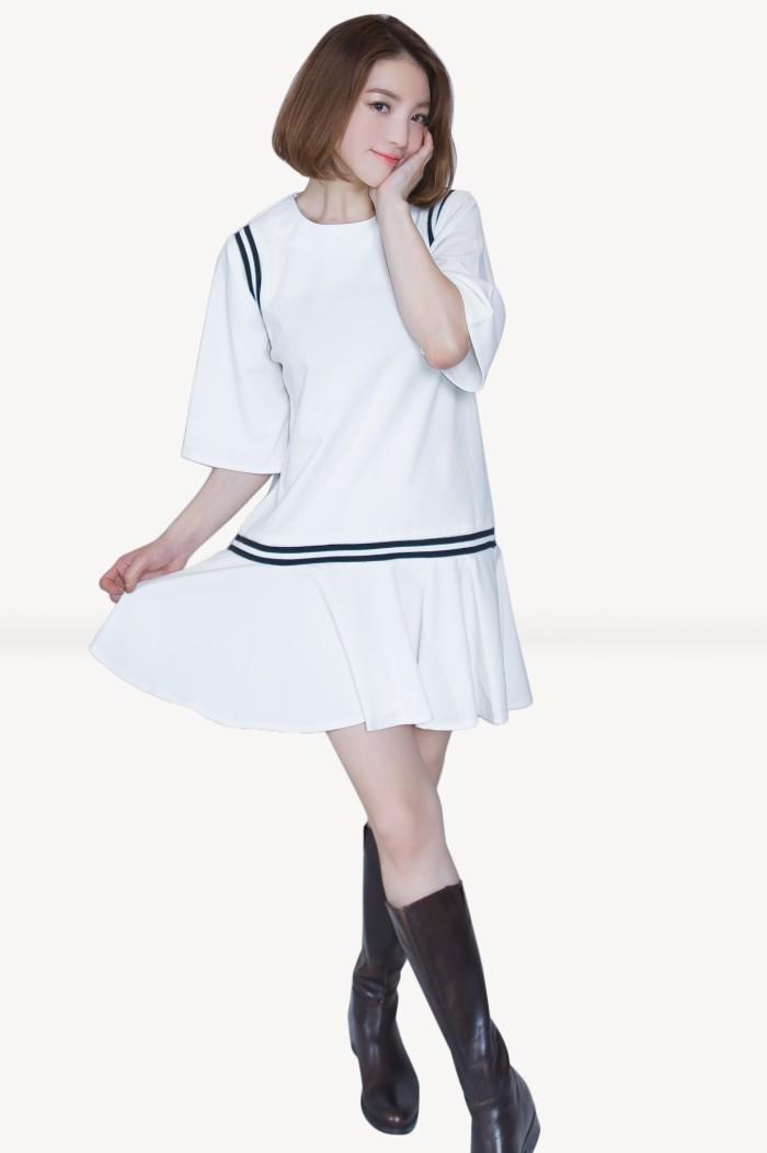 Foto Produk Kakuu Basic - Stripe Accent Loose Mini Dress dari Kakuu Basic
