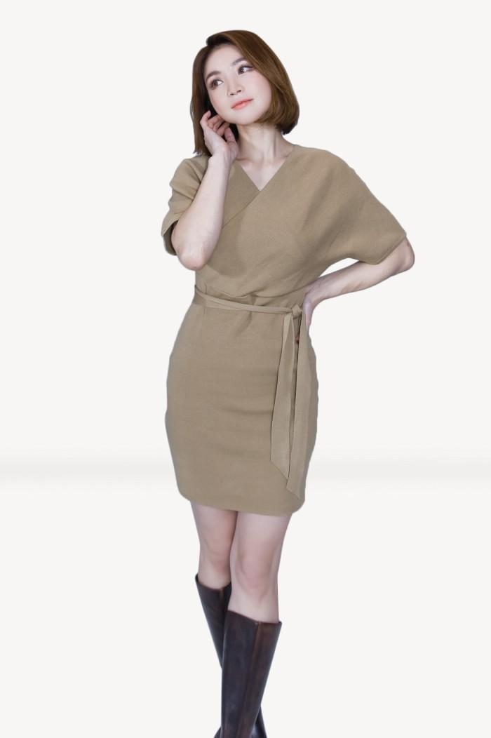 Foto Produk Kakuu Basic - V Neck Knit Midi Dress dari Kakuu Basic