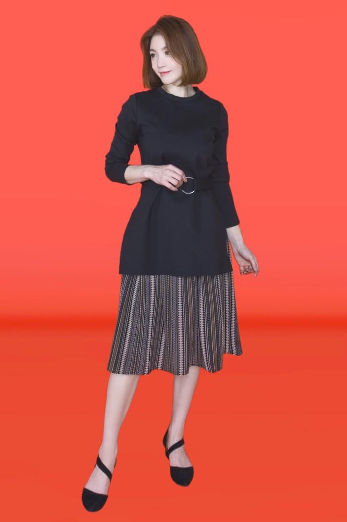 Foto Produk Kakuu Basic - Faux Layer Belt Midi Dress dari Kakuu Basic