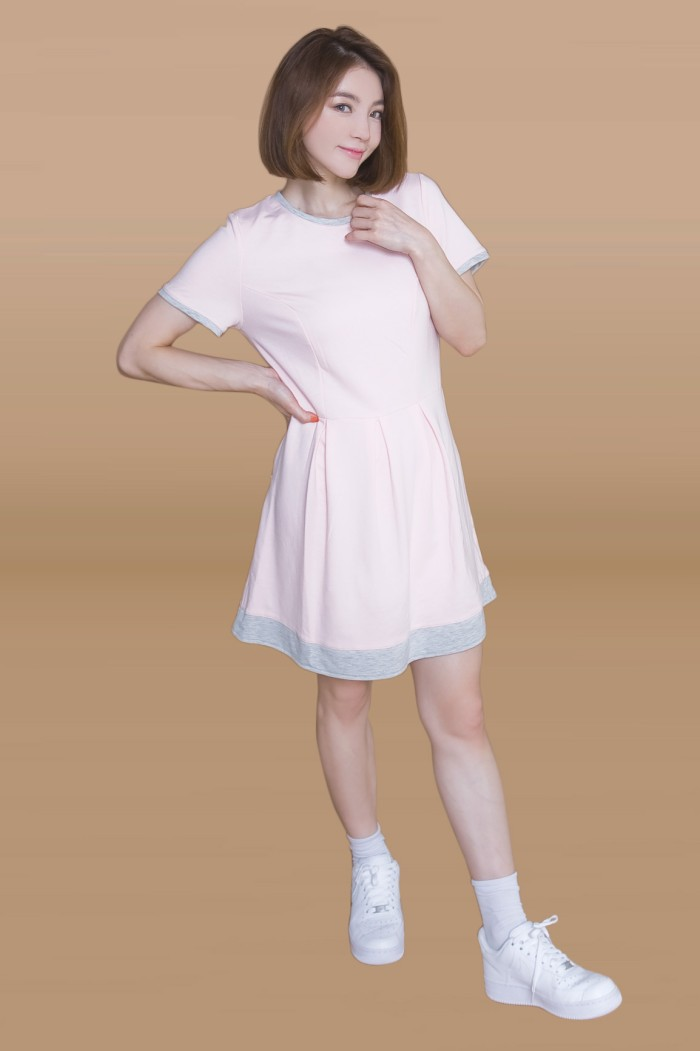 Foto Produk Kakuu Basic - U Neck Flare Mini Dress dari Kakuu Basic