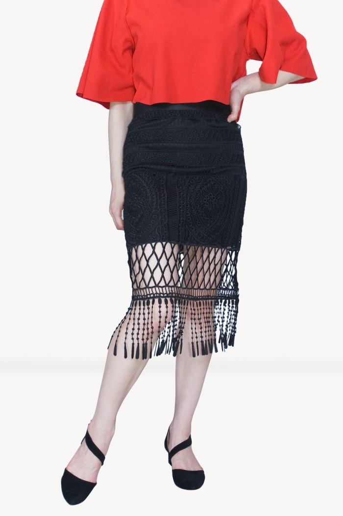 Foto Produk Kakuu Basic - Tassel Midi Skirt dari Kakuu Basic